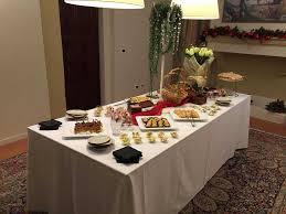 Un bell'aperitivo a casa può essere la soluzione che fa per voi. Di seguito sono illustrate alcune semplici ricette che conquisteranno il palato dei vostri ospiti