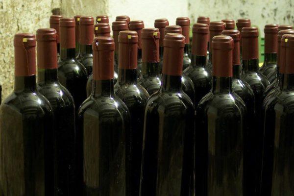 Etichette adesive in bobina per bottiglie